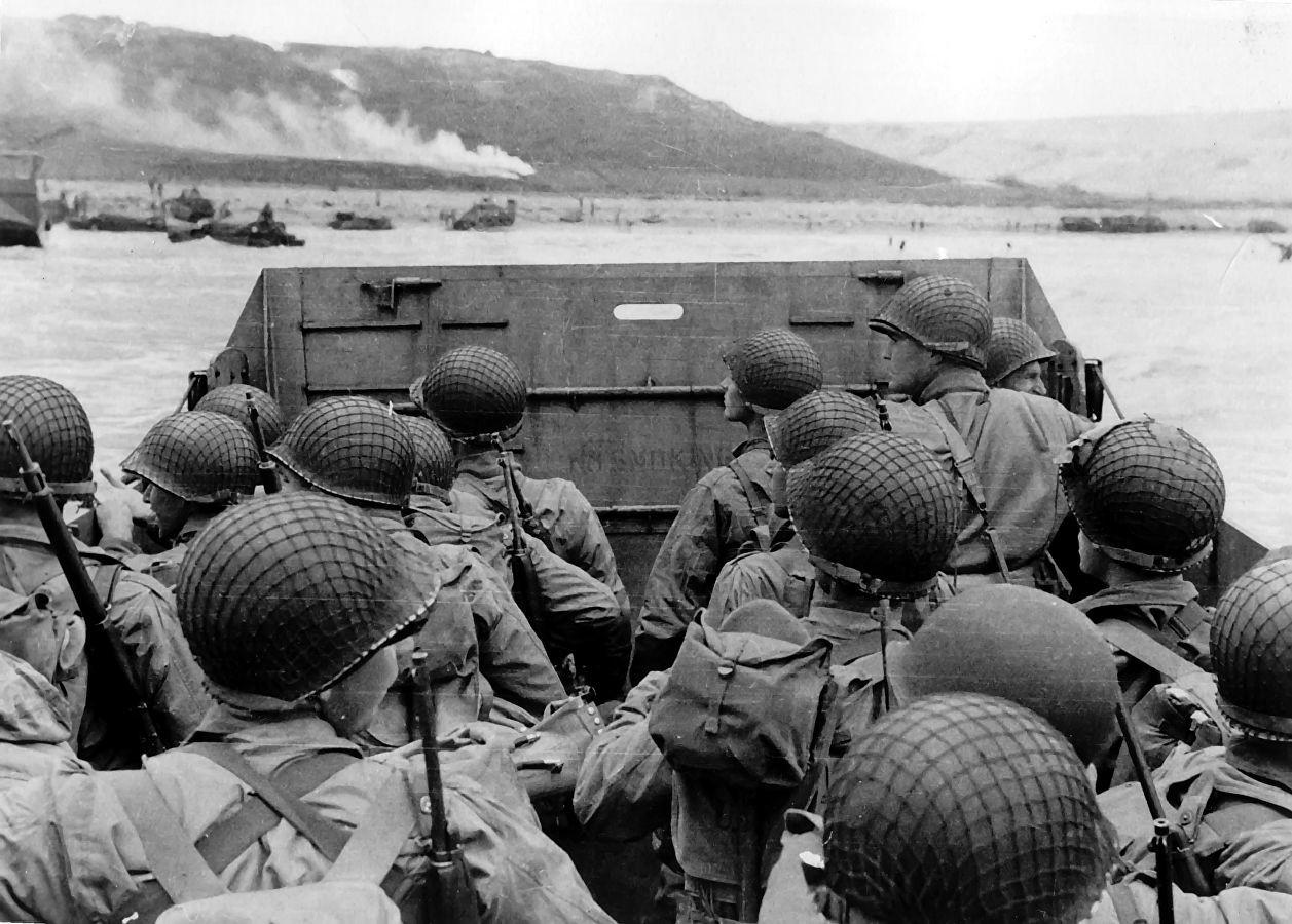 6 июля 1944 года американо-британская коалиция высадилась в Нормандии, Франция.