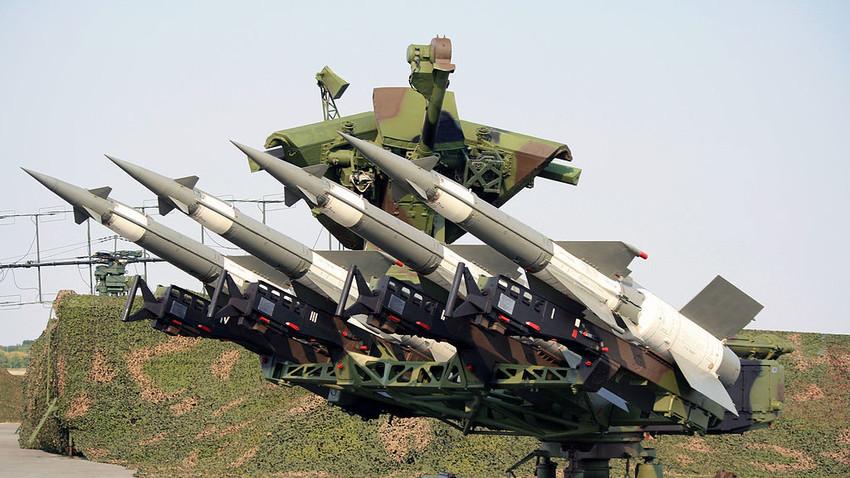 Venezuela posiciona mísseis russos Pechora-2M na fronteira com Colômbia