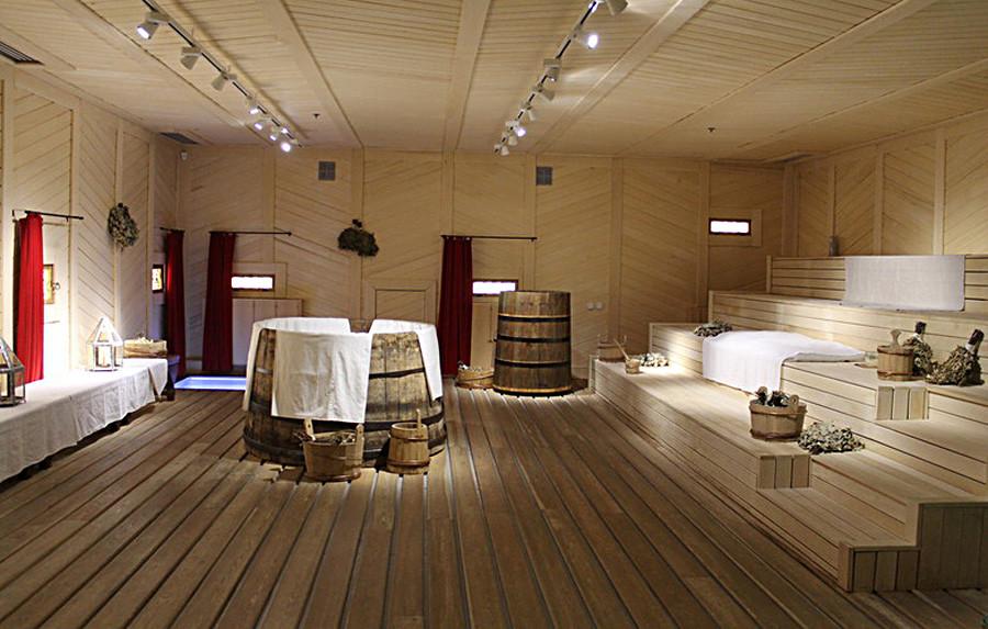 El baño del zar reconstruido del siglo XVII en Kolomenskoe.