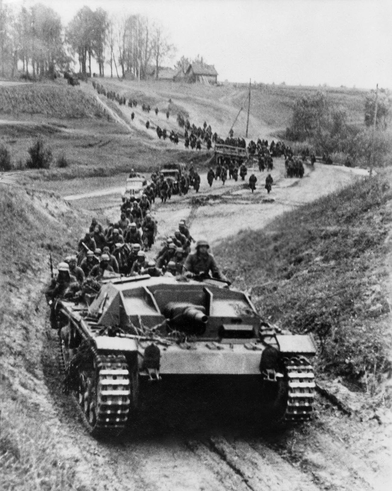 Восточный фронт Второй мировой войны был открыт в июне 1941 года, когда фашисты вторглись в СССР.