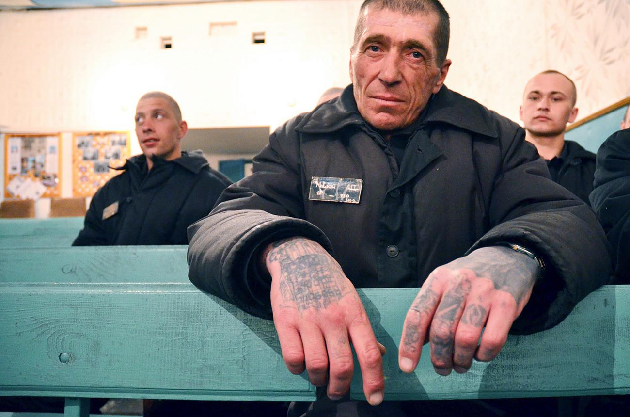 Gefangene Freunde beim Sex