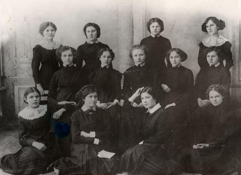 Alunas do ginásio feminino em Kasimov, 1910.