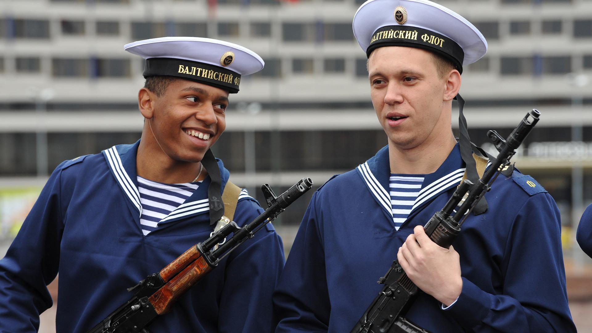 Tudo o que um estrangeiro precisa saber para se tornar soldado nas Forças Armadas da Rússia