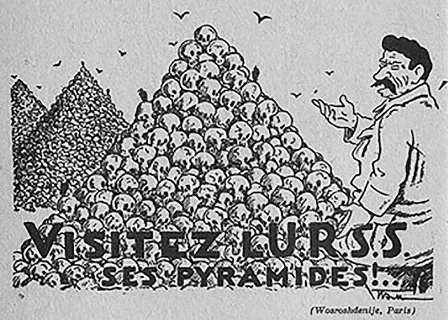 """7. """"¡Visita las pirámides de la URSS!""""."""