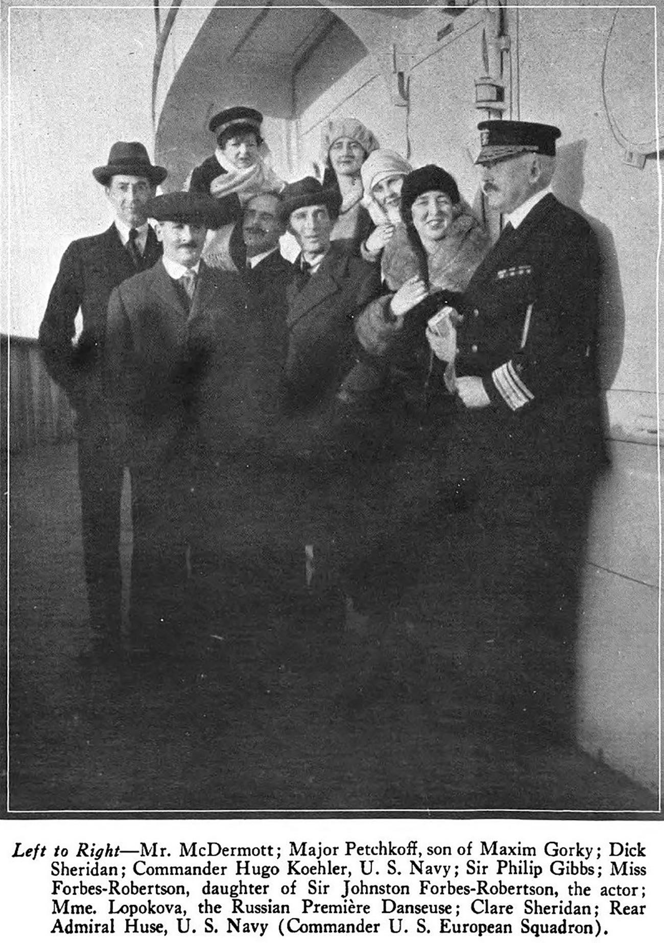 Sheridan, Hugo Koehler (pourtant le fils de Clare, Richard), et d'autres, à bord du paquebot RMS Aquitania, en janvier 1921