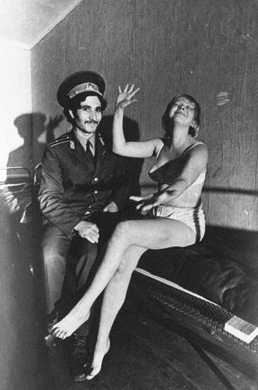 「チェレポヴェツ市(ヴォログダ州)の泥酔者留置場」、1980年