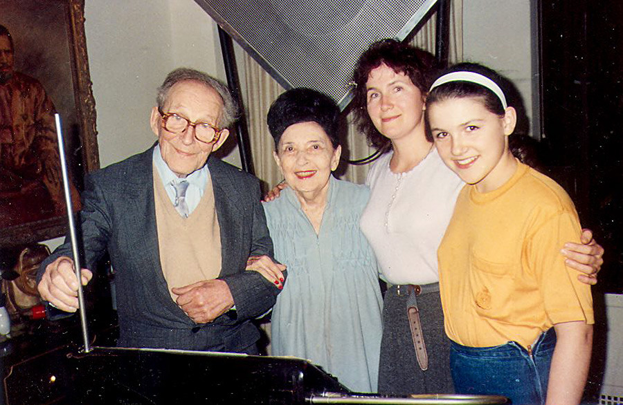 L-R: Leon Theremin, Clara Rockmore (a theremin's performer), Theremin's daughter Natalia, and granddaughter Olga, New-York, 1991