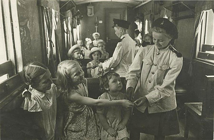 Детская железная дорога, 1945 - 1949