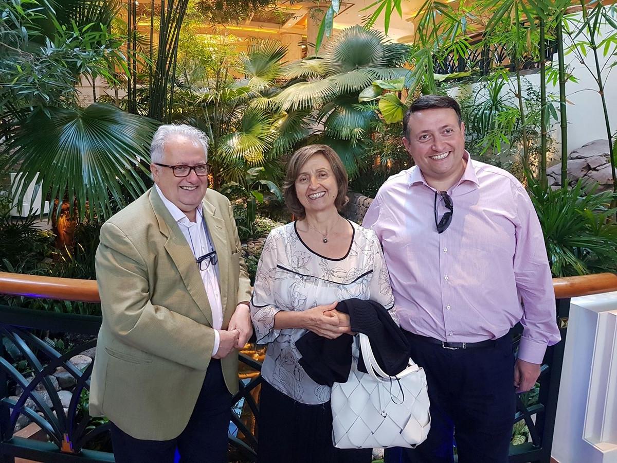 Vincenzo Trani con i suoi genitori a Dubai, 2018
