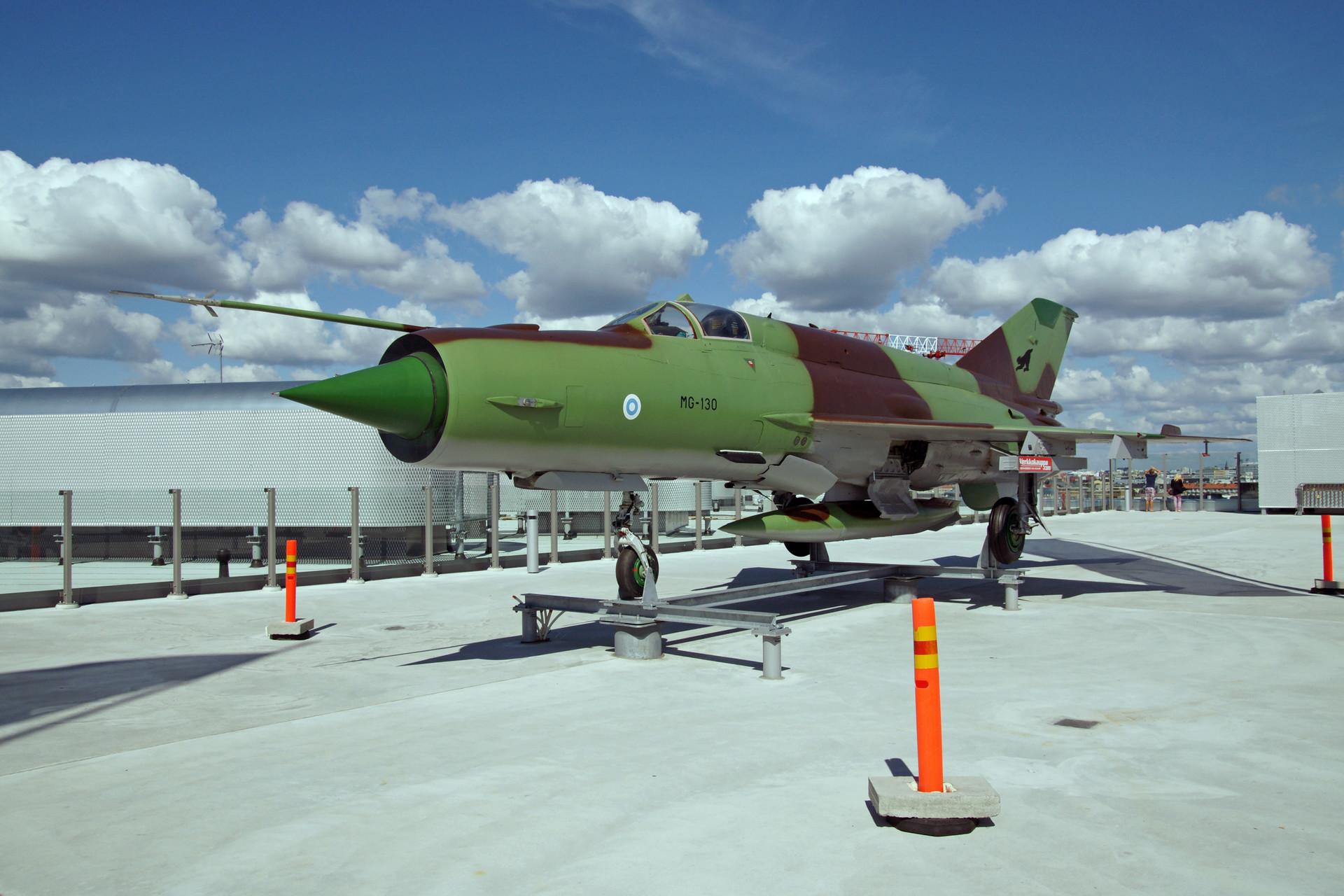 El MiG-21BIS que pertenece a Finlandia, 2012