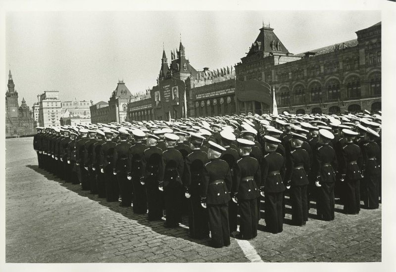 Suvorovci na Crvenom trgu 1. svibnja 1946.