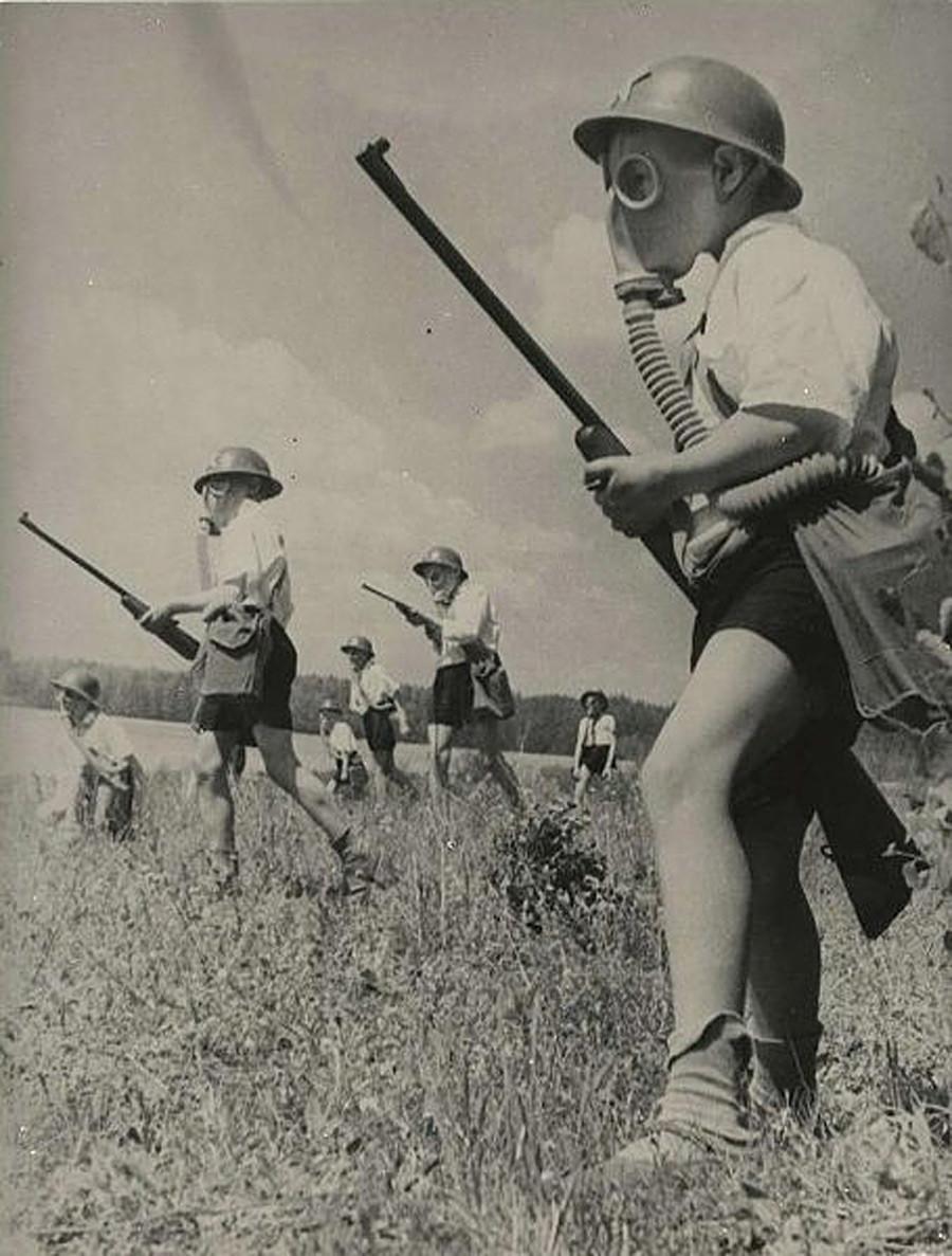 Permainan perang-perangan, 1930-an.