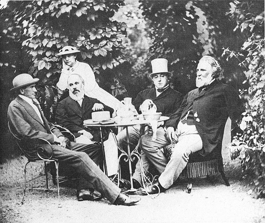 И. С. Тургењев у викенд-кући породице Миљутин. Баден Баден, 1867.