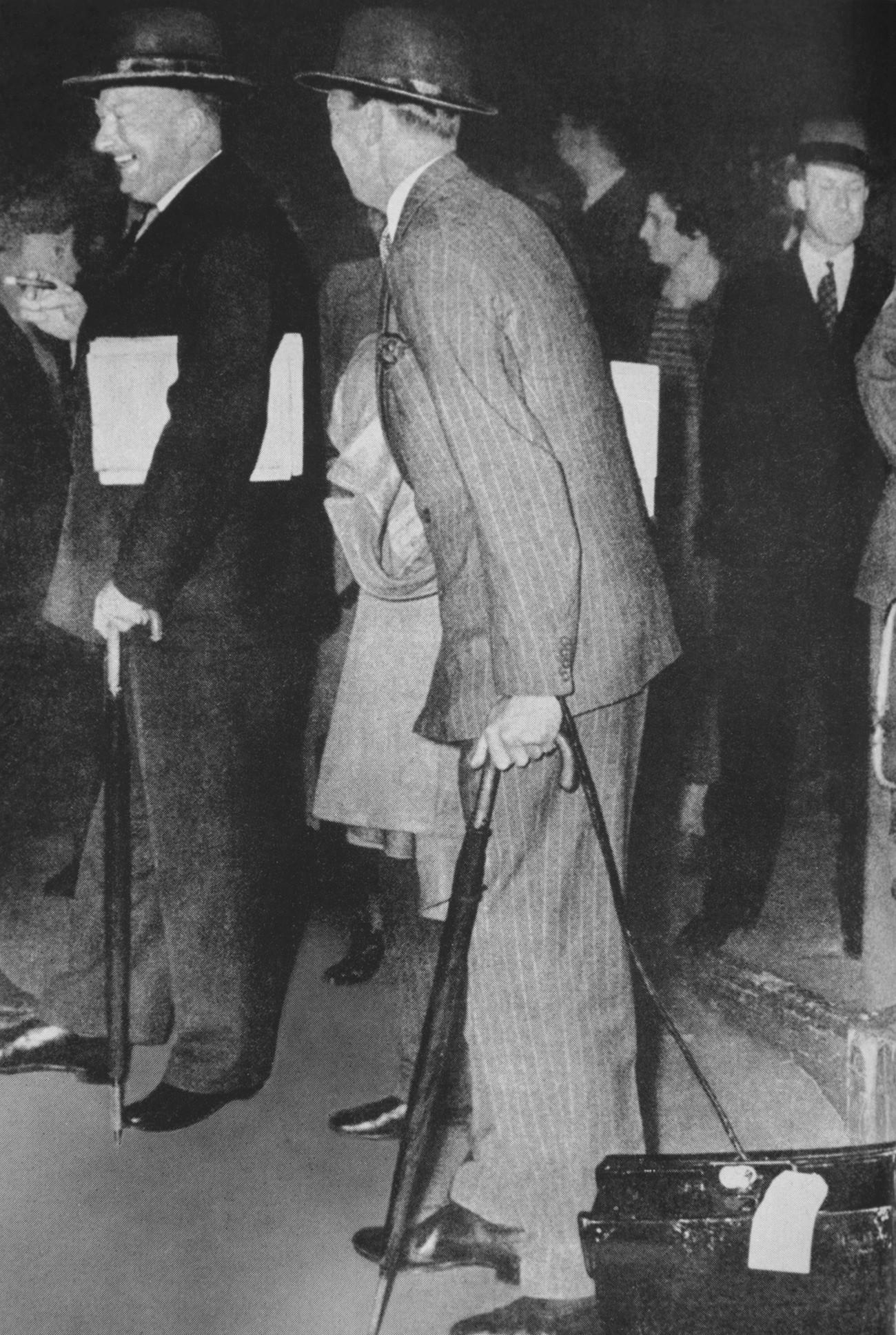 На почетокот на август 1939 година во Москва допатуваа англиската и француската воена мисија за преговори со Советскиот Сојуз. На фотографијата се адмирал Реџиналд Дркас и генералот Жозеф Думан.