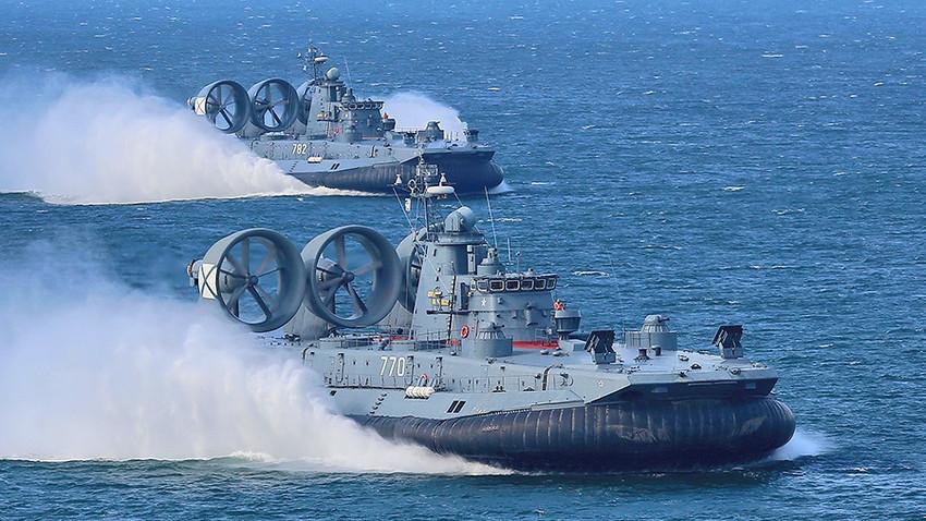 Navio anfíbio de assalto do Projeto 12322 Zubr