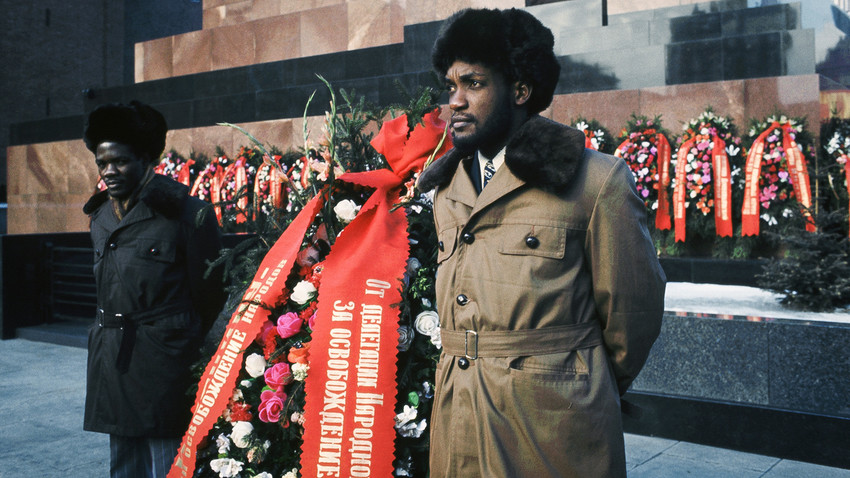 An Angolan delegation laying flowers to the Mausoleum of Lenin in the USSR.