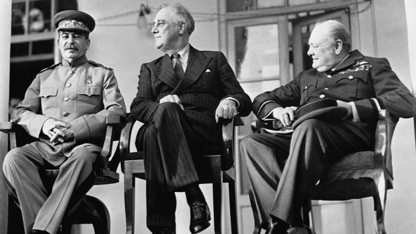 Сталин, Рузвельт и Черчилль на Тегеранской конференции
