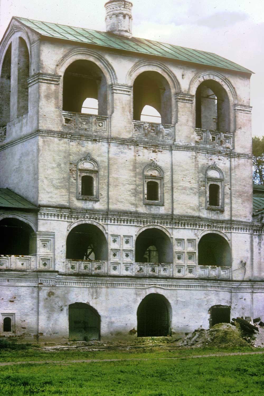 Monastero della Resurrezione. Campanile con la Chiesa di Santa Maria d'Egitto, vista ovest. 9 agosto 1991