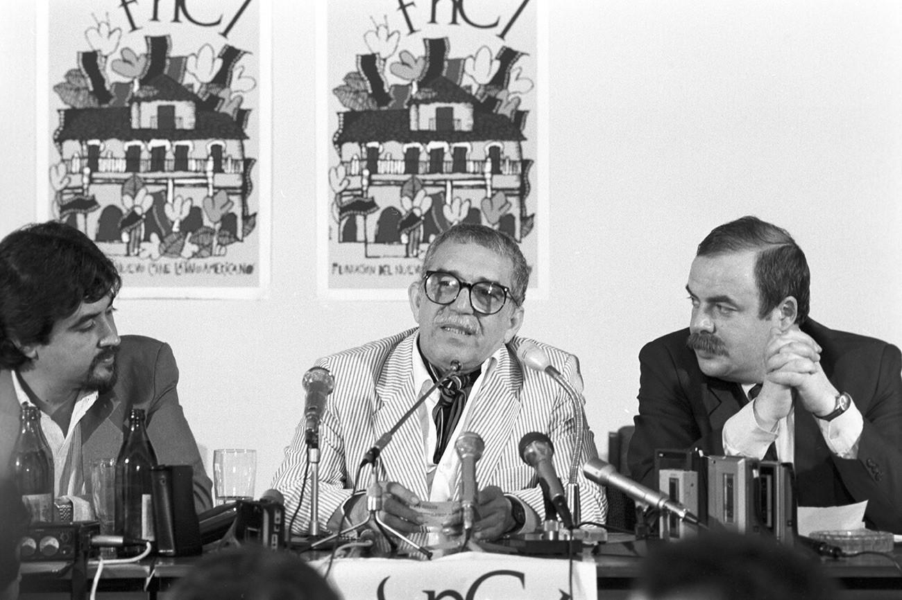 Спустя 30 лет после первого визита в СССР: Маркес выступает на пресс-конференции XV Московского международного кинофестиваля в 1987 году