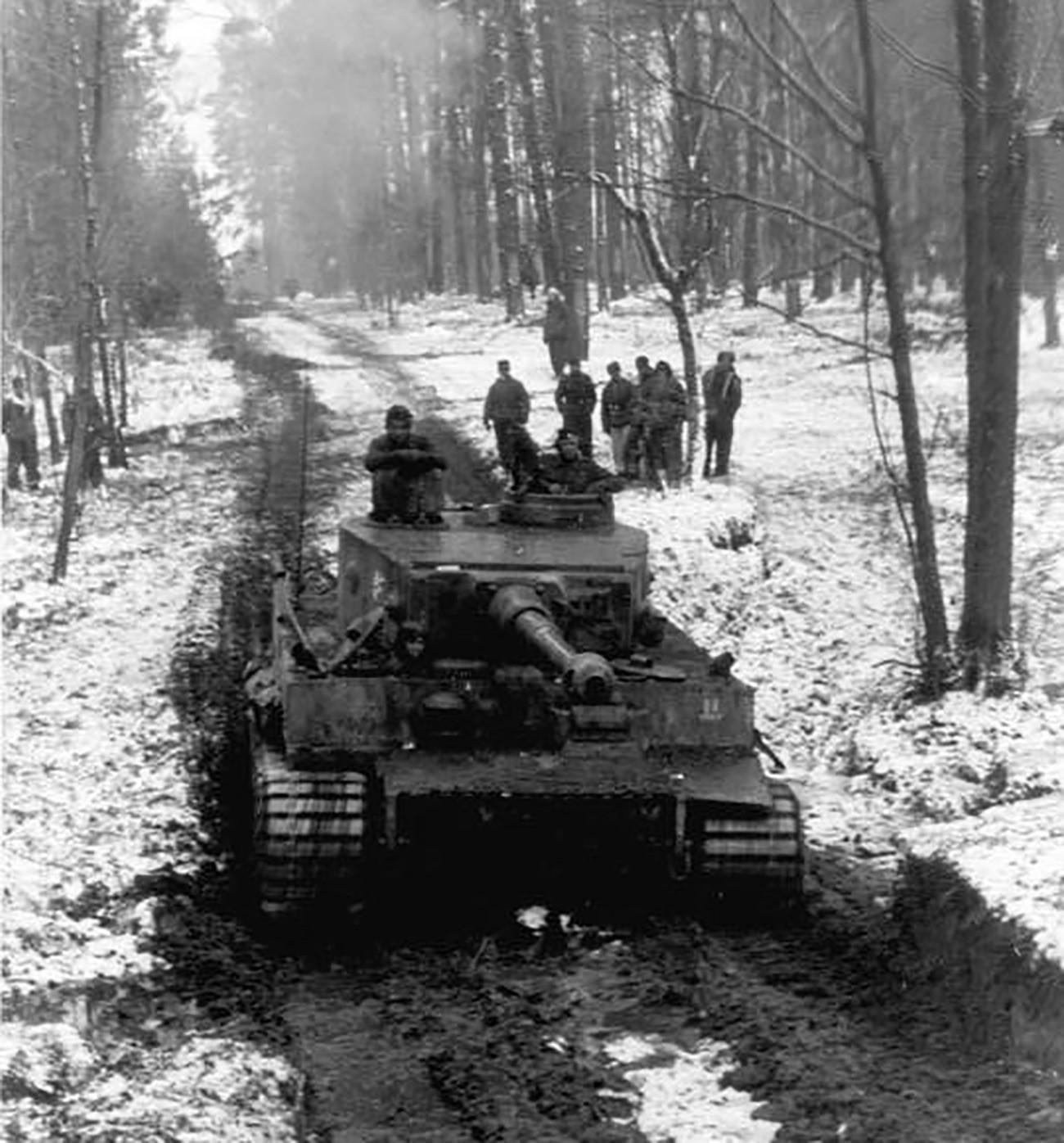 Германски тежок тенк Панцер VI Тигар