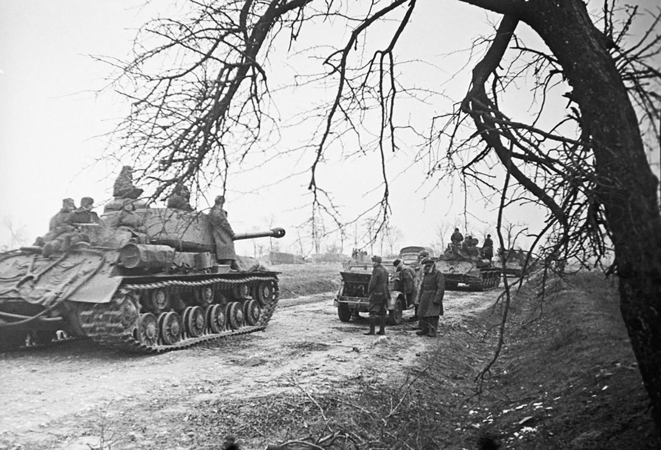 Тенкови кај Висла, Прв белоруски фронт.