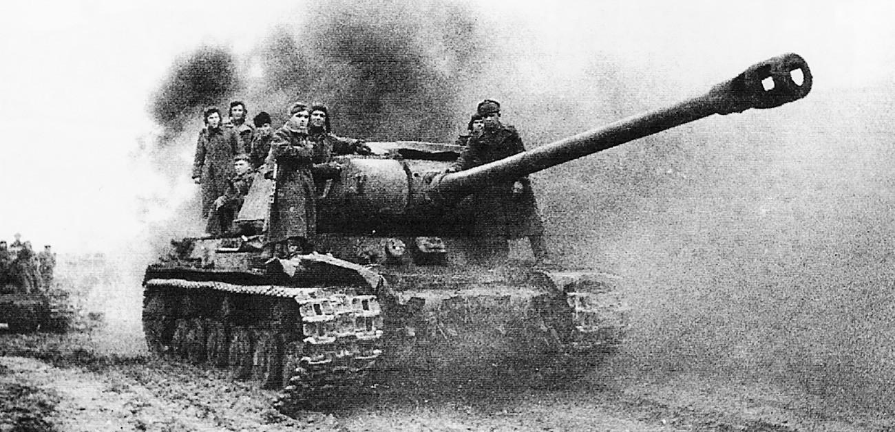 Советскиот тенк ИС-2 во акција, Будимпешта