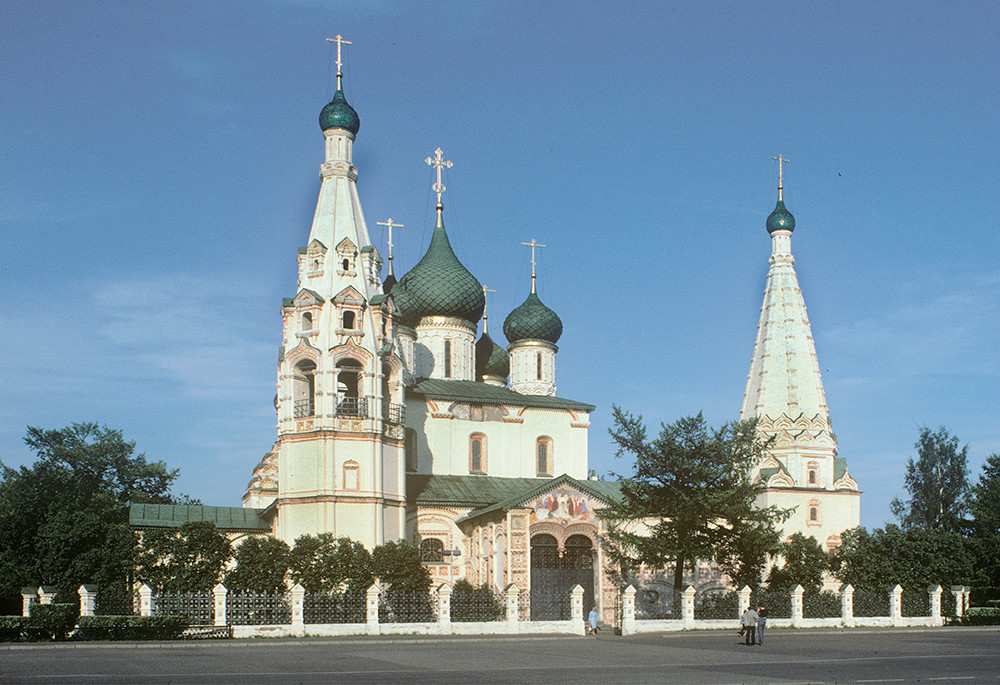 Yaroslavl. Church of Elijah the Prophet, west view. August 21, 1988.
