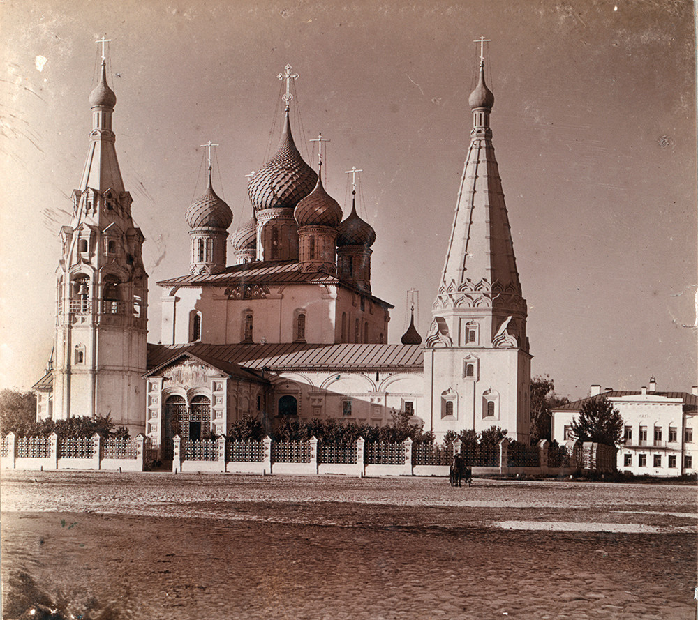 Yaroslavl. Church of Elijah the Prophet, southwest view. Summer 1910.