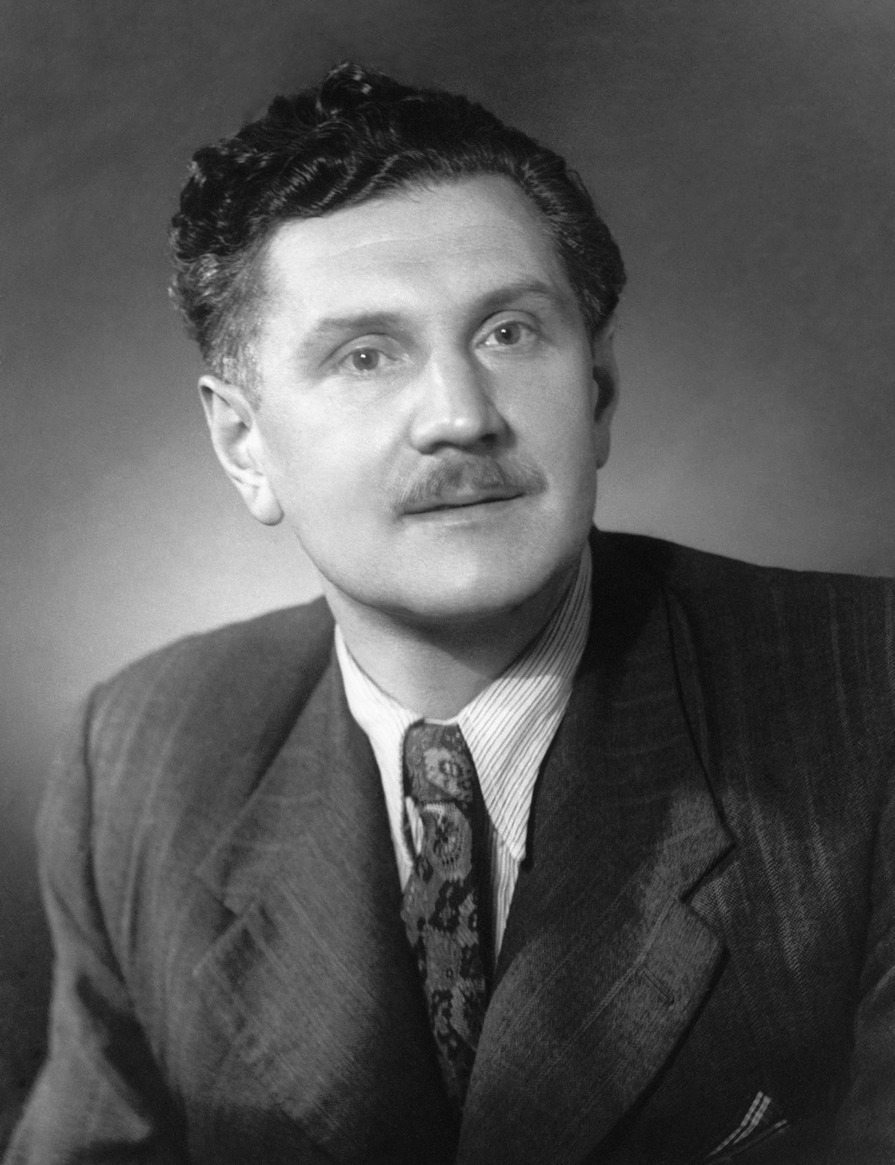作家と編集者ワシリー・ザハルチェンコ
