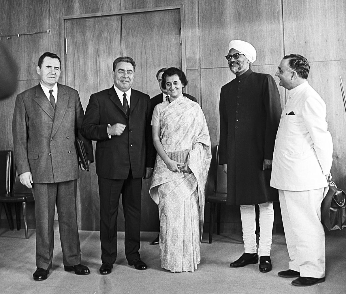 Leonid Breschnew und Indira Gandhi in Moskau
