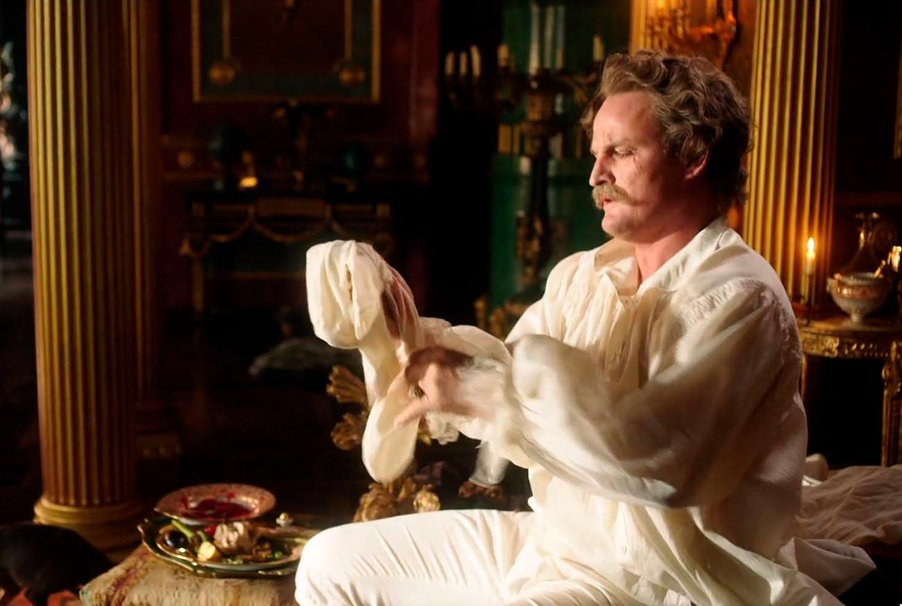 Jason Clarke v vlogi kneza Potjomkina iz HBO-jeve serije Katarina Velika (2019)