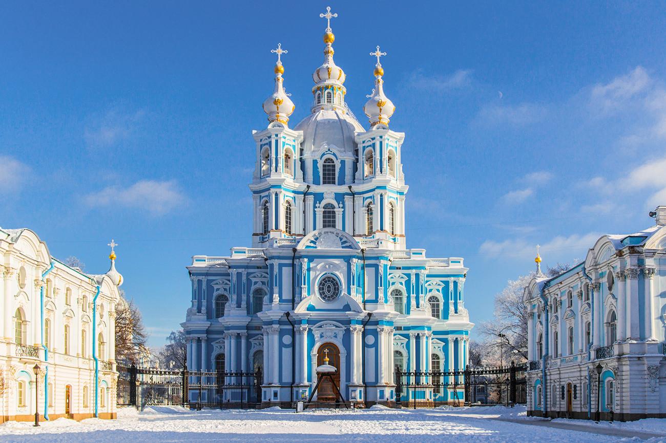 Смольный собор, архитектор Ф. Б. Растрелли