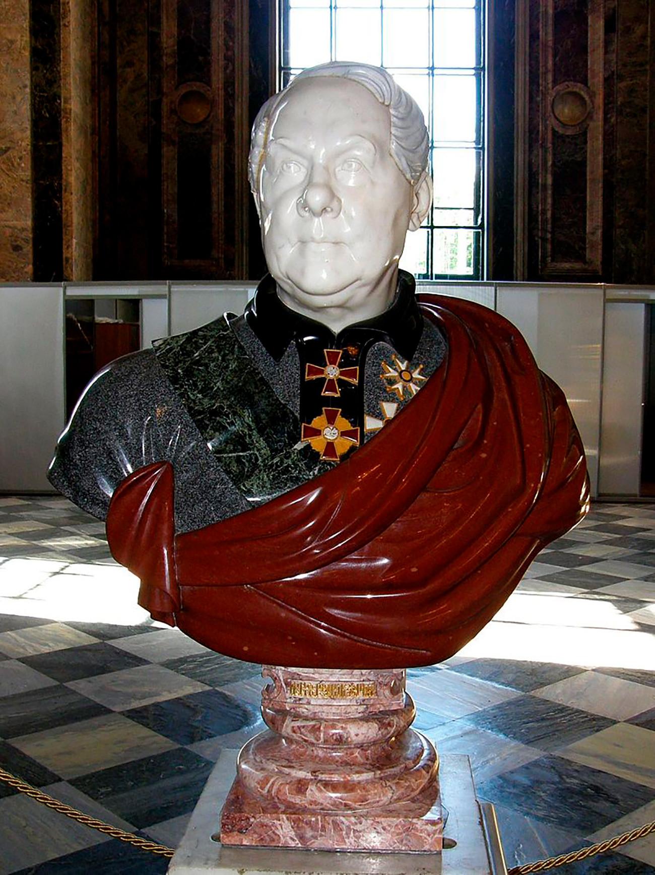 Бюст Огюста Монферрана в Исаакиевском соборе, созданный из облицовочных камней, использовавшихся при строительстве собора