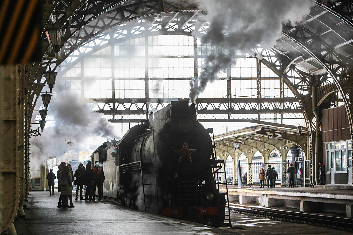 A vintage steam train at Detskoselskaya station.