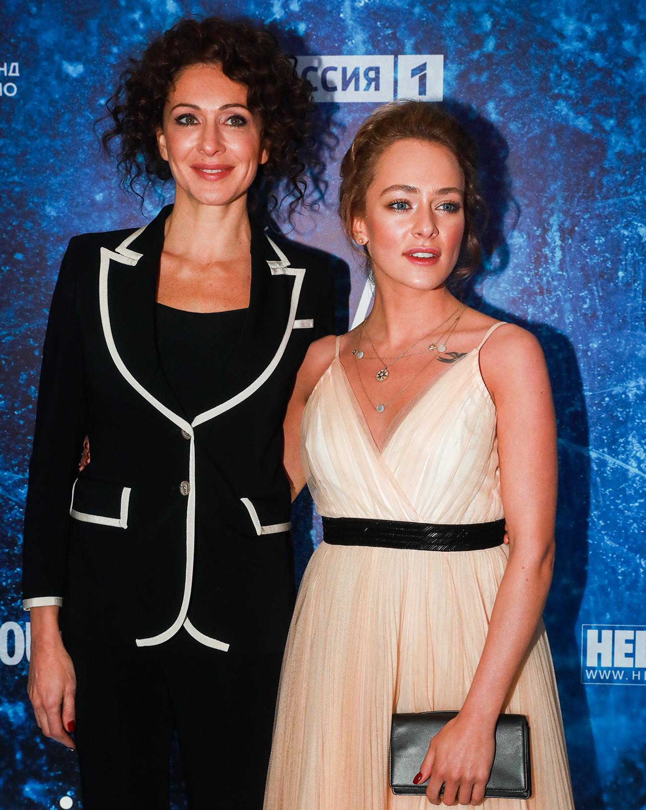 Aglaja Tarasova i njezina majka Ksenija Rappoport