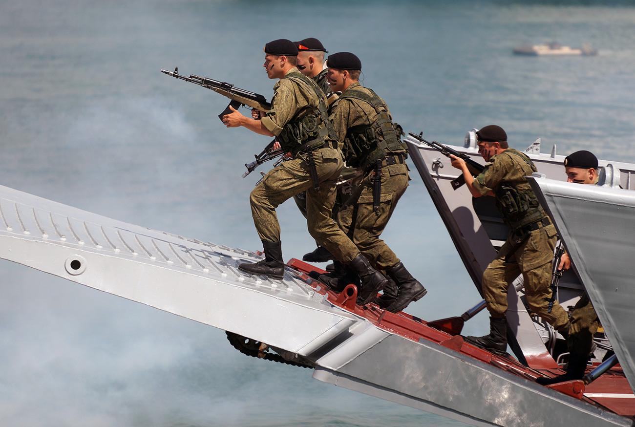 Маринци на војној вежби.