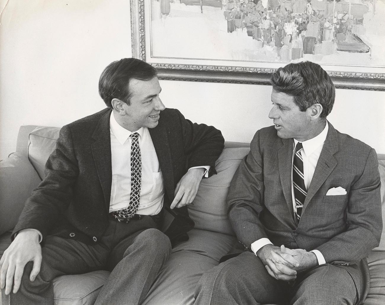 アンドレイ・ヴォズネセンスキーとロバート・ケネディ、1967年