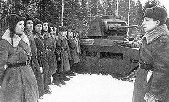 Matilda Мк II и црвеноармејци