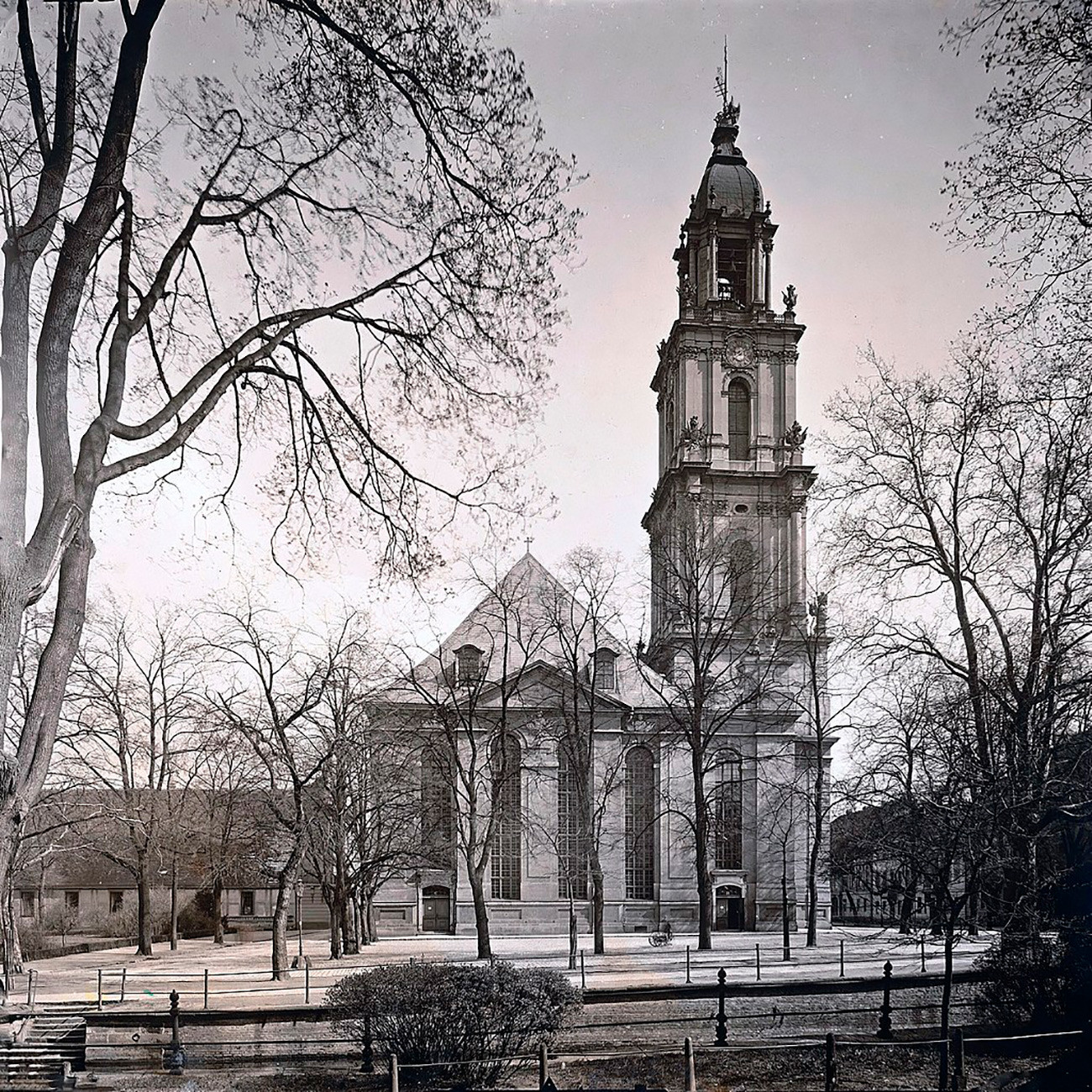Garnisonkirche di Potsdam. Hilang pada tahun 1968.