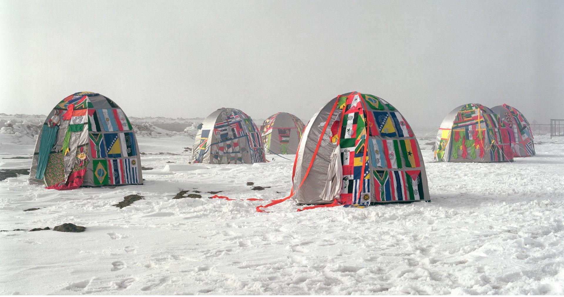 Lucy +Jorge Orta, Village antarctique – Sans frontières, 2007