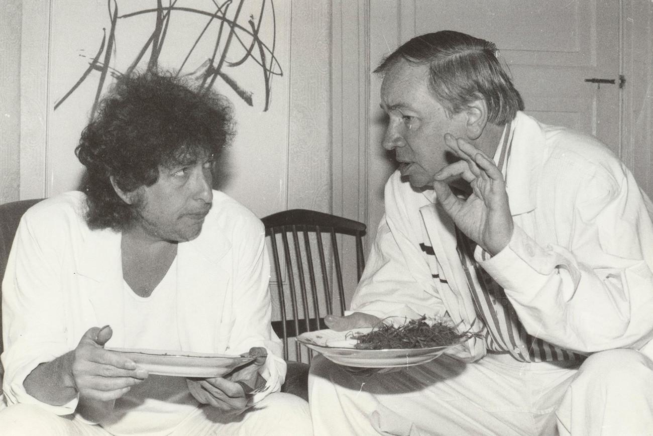 Bob Dilan and Andréi Voznesenski en Moscú, 1985.