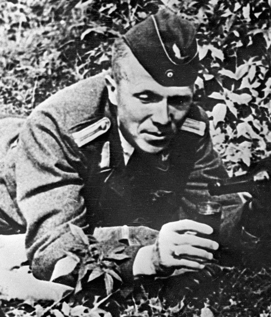 Николай Кузнецов в униформа на немски офицер