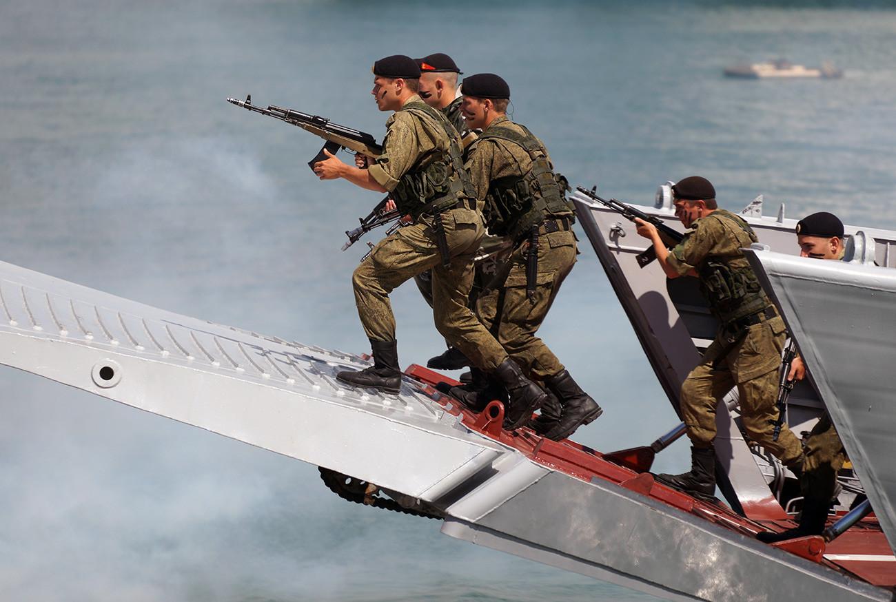 Маринци на воена вежба