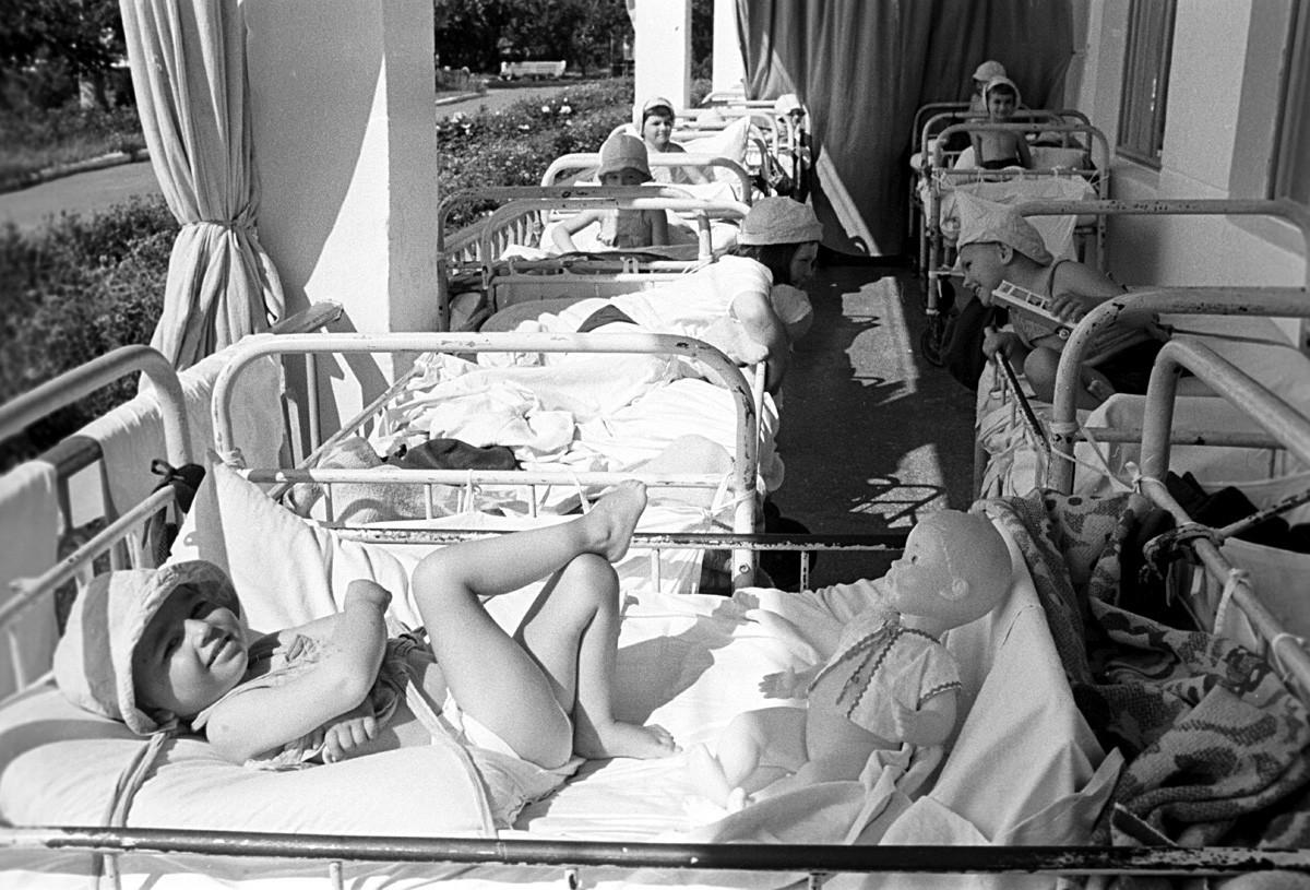 Crianças na Crimeia, em 1971