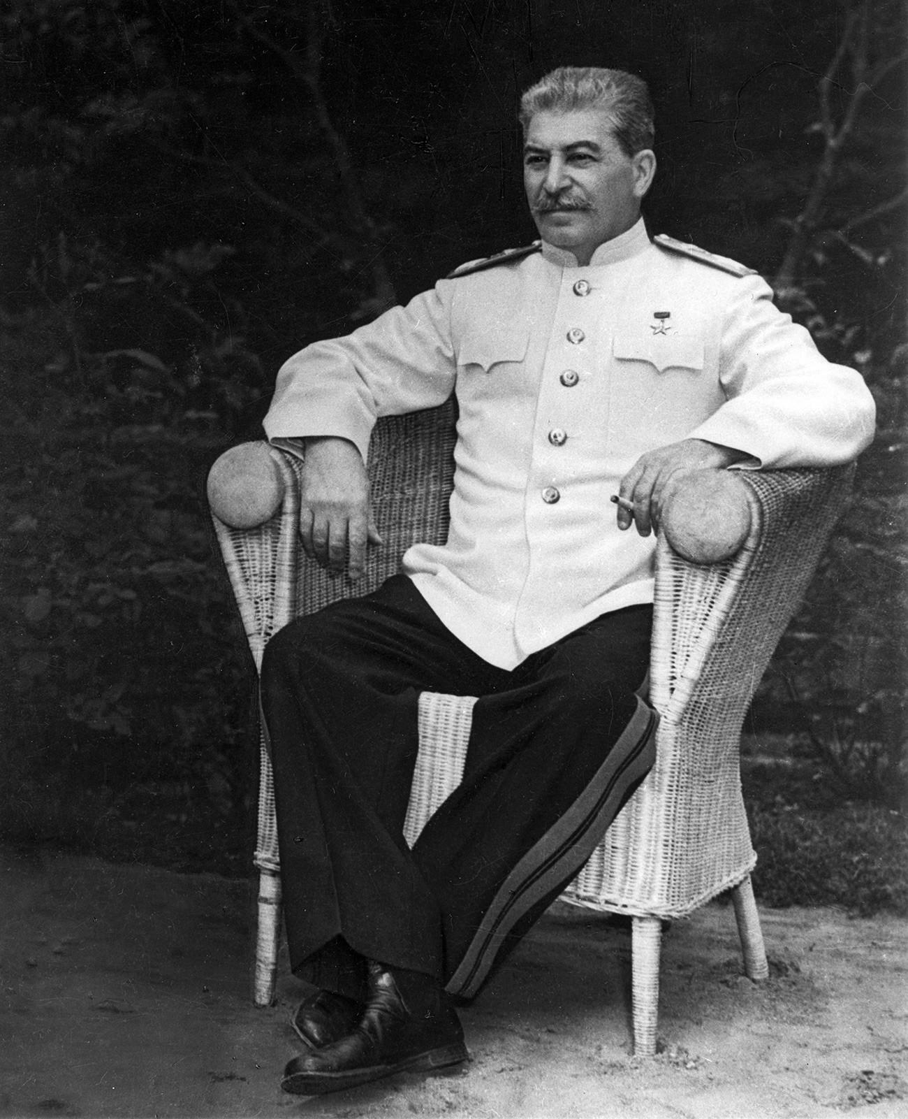 Se habla de que Stalin visitó a la Santa Matrona de Moscú, que le prometió la victoria.