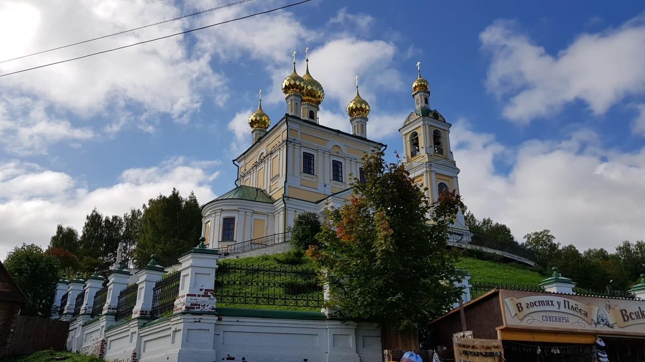 Gereja di atas bukit.