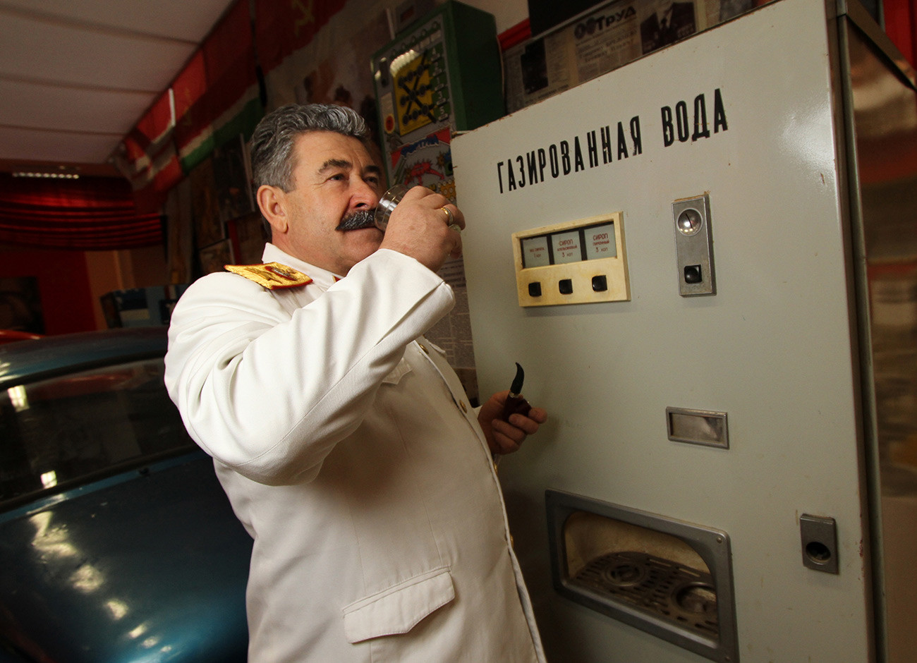 Двойник Сталина на открытии музея СССР на ВДНХ в Москве.