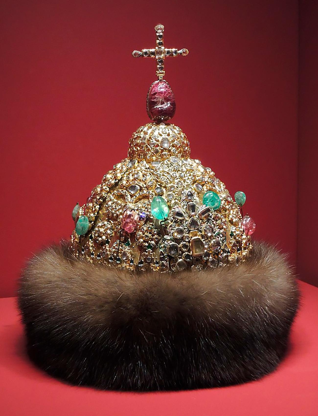 БРИЛИЈАНТСКА КРУНА   Радионице московског Кремља, око 1680.  Сребро, злато, драго камење, брилијанти; ливење, искуцавање, гравирање
