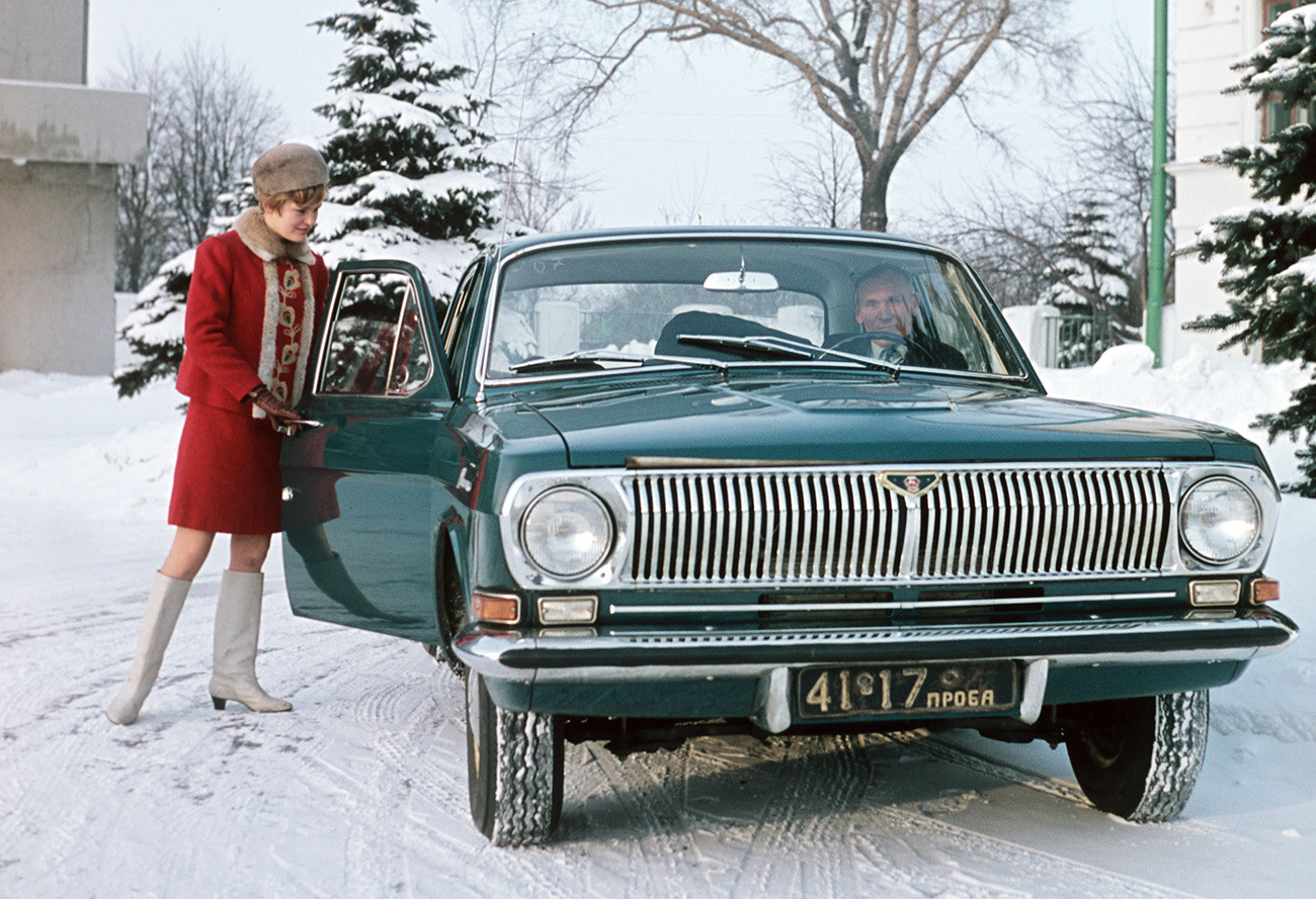 When the best vehicle you own can't be anything but Volga, there is no sense in showing off.