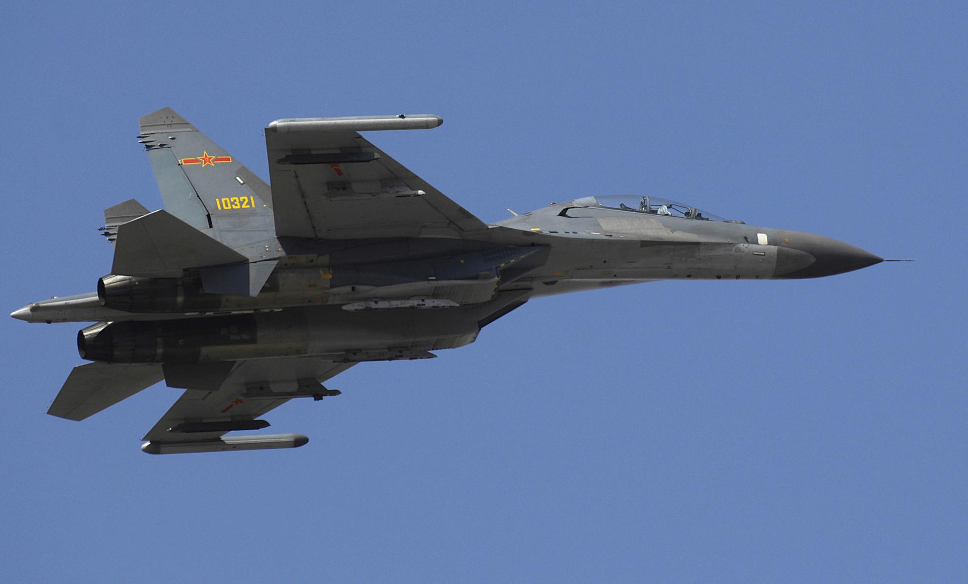 Sujói Su-27 de China.
